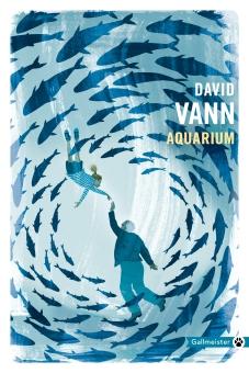 Aquarium totem